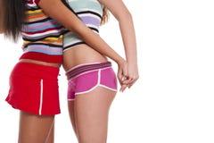 Zwei lesbische Frauen kurz gesagt Lizenzfreie Stockfotos