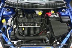 Zwei Liter-Motor stockfotos