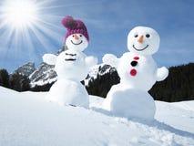 Zwei lustige Schneemänner Lizenzfreies Stockfoto