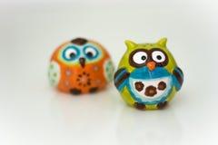 Zwei lustiges Owl Figures lizenzfreies stockbild