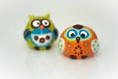 Zwei lustiges Owl Figures Stockbilder