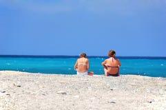 Zwei Mädchen auf Ferien Lizenzfreies Stockfoto