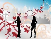 Zwei Mädchen in der Stadt Lizenzfreie Stockfotos