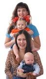 Zwei Mütter mit Schätzchen. Lizenzfreie Stockbilder