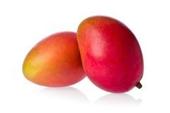 Zwei Mangofrüchte Stockfotos