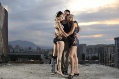 Zwei Manngruppen-Teamleute der Frau eine Stockfoto