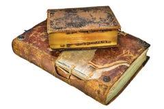 Zwei mittelalterliche antike Bücher lokalisiert auf Weiß Stockfotos