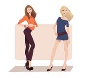 Zwei Modemädchen Lizenzfreie Stockfotos