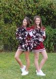 Zwei nette Cheerleadern Lizenzfreie Stockfotografie