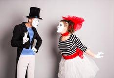 Zwei Pantomime, Valentinstagkonzept, April Fools Day-Konzept Stockbilder