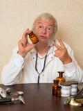 Zwei Pillen pro Tag Stockbilder