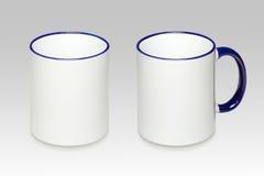 Zwei Positionen eines weißen Bechers lizenzfreie stockfotos