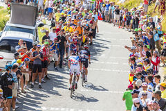 Zwei Radfahrer auf Col. du Glandon - Tour de France 2015 Lizenzfreie Stockfotografie