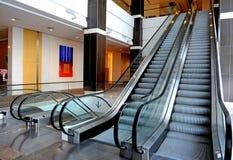 Zwei Rolltreppen Stockbild
