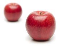 Zwei rote Äpfel Stockfotografie