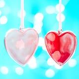 Zwei rote Herzen als Hintergrund Valentinsgrußtageskonzept, Über weißem Hintergrund Lizenzfreie Stockfotografie