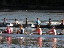 Zwei rudernde Oberteile auf dem Potomac Lizenzfreie Stockfotos
