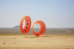Zwei runde Drachen Stockfoto
