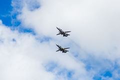 Zwei russische Angriffsflächen SU 24 auf Ausstellung stockbild