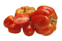Zwei süßer grüner Pfeffer mit Tomaten Lizenzfreie Stockfotos