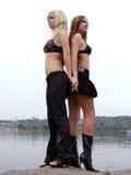 Zwei schöne junge Mädchen 1 Lizenzfreie Stockfotos