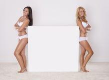 Zwei Schönheits-Mädchen Stockfoto