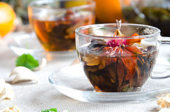 Zwei Schalen Glas des grünen Tees lizenzfreies stockfoto
