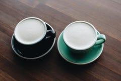 Zwei Schalen raf-Kaffee lizenzfreie stockfotografie