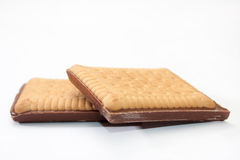 Zwei Schokoladenkekse auf einem weißen Hintergrund Stockfoto