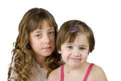 Zwei Schwestern zusammen lizenzfreies stockfoto