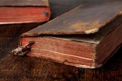 Zwei sehr alte Bücher Lizenzfreie Stockbilder