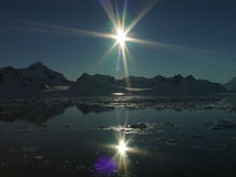 Zwei Sonnen, Antarktik Stockfoto