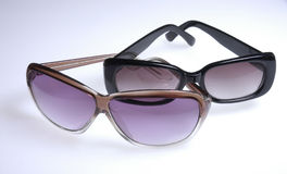 Zwei Sonnenbrillen Lizenzfreie Stockbilder
