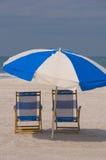 Zwei Strand-Stühle Lizenzfreies Stockbild