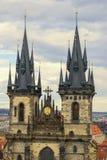 Zwei Türme in Prag Lizenzfreie Stockbilder
