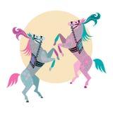 Zwei tanzende Ponys Lizenzfreie Stockfotos