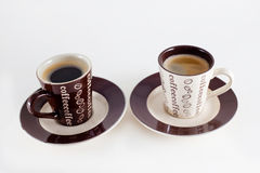 Zwei Tasse Kaffees lizenzfreie stockfotos