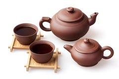 Zwei Teekanne und zwei Schalen Stockfotografie
