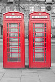 Zwei typische London-rote Telefonkabinen Lizenzfreies Stockbild
