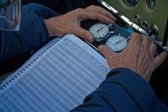 Zwei Uhren f?r die Beifahrer lizenzfreies stockbild