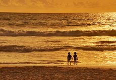 Zwei und Sonnenuntergang Stockfotos