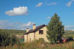Zwei verschiedene Landhäuser Lizenzfreies Stockfoto