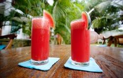 Zwei Wassermelonengläser Stockfoto