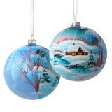 Zwei Weihnachtsbälle auf Weiß Stockfotografie