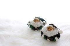 Zwei Weihnachtsmänner Stockfotos