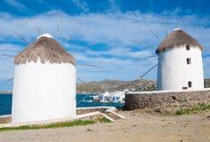 Zwei Windmühlen Mykonos auf dem kleinen Venedig Lizenzfreie Stockfotografie
