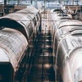 Zwei Züge neben einander Stockfoto