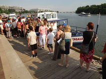 Zwei Zeilen für das Ausflug-Boot Lizenzfreies Stockbild