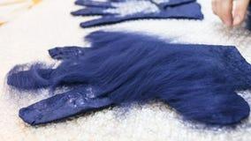 Zweite Schicht Fasern auf Handschuhabschluß oben lizenzfreies stockfoto