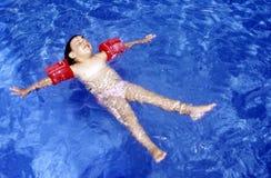 Zwem in het water Stock Foto's